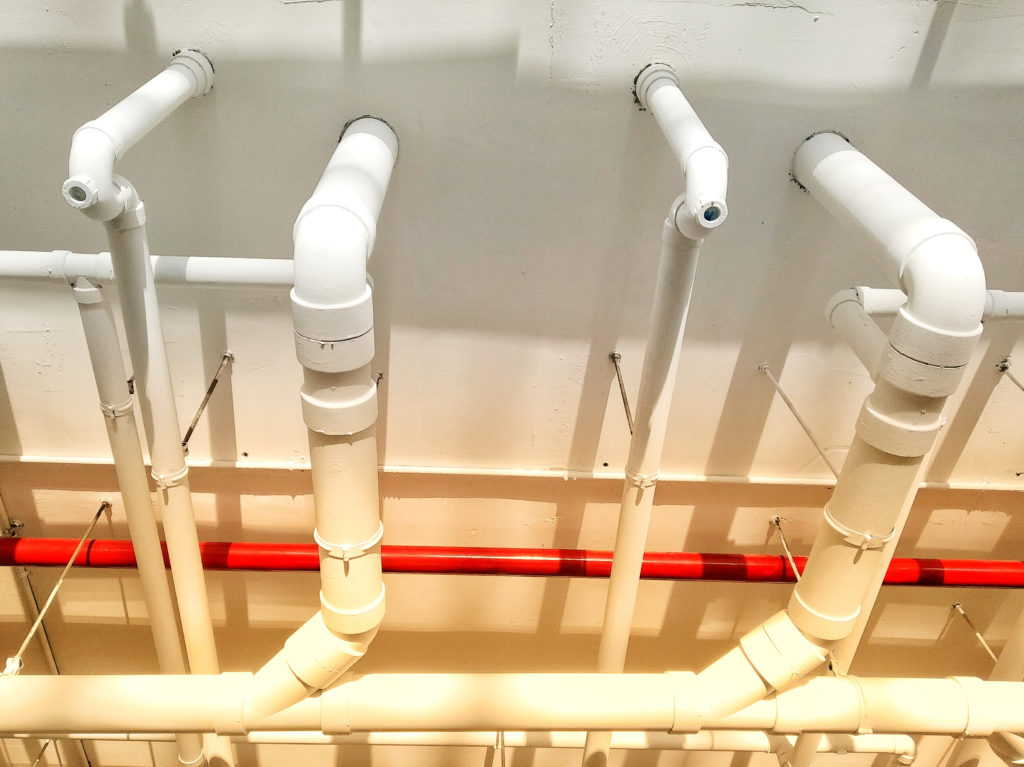 Choosing Between Plastic and Metal Plumbing Pipes